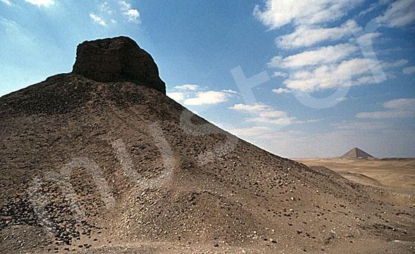 Amenemhat III.-Pyramide (Schwarze Pyramide): Ecke, Bild-Nr. Grßansicht: 360a/21