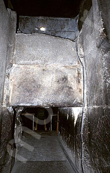 Cheops-Pyramide: Fallsteinanlage / -sperre, Bild-Nr. Grßansicht: 25b/6