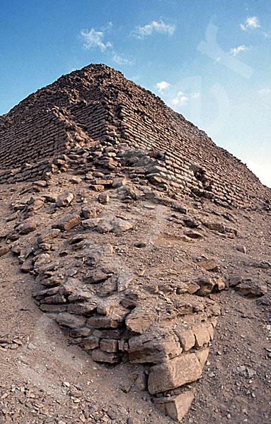 Djoser-Pyramide: Ecke, Bild-Nr. Grßansicht: 200a/38