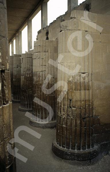 Djoser-Pyramide: Kollonaden- / Eingangshalle, Bild-Nr. Grßansicht: 200b/21