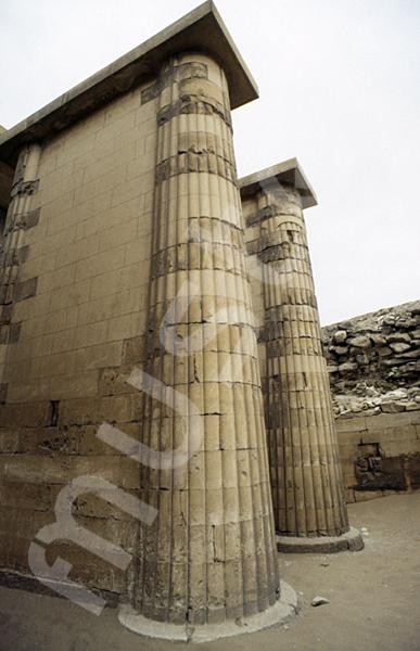 Djoser-Pyramide: Kollonaden- / Eingangshalle, Bild-Nr. Grßansicht: 200b/23