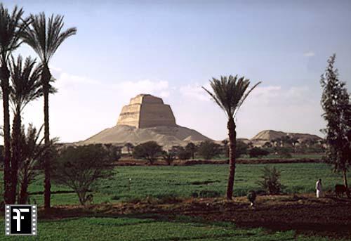 Pyramidengebiet bei Medum: Blickrichtung Nordwesten, Bild-Nr. Grßansicht: 570a/1