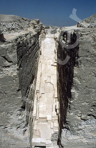 Radjedef-Pyramide: T-förmige Ausschachtung, Bild-Nr. Grßansicht: 15a/2