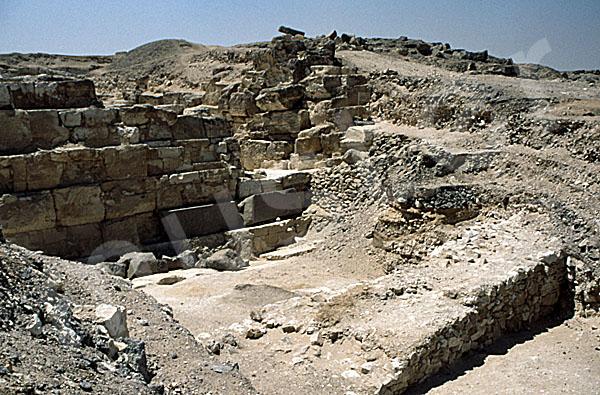 Radjedef-Pyramide: Umfassungs- / Temenosmauer, Bild-Nr. Grßansicht: 10a/22