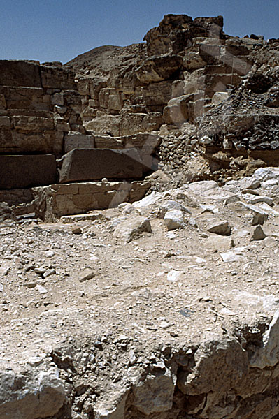 Radjedef-Pyramide: Umfassungs- / Temenosmauer, Bild-Nr. Grßansicht: 10a/25