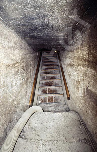 Rote Pyramide: Gang, Bild-Nr. Grßansicht: 345b/5