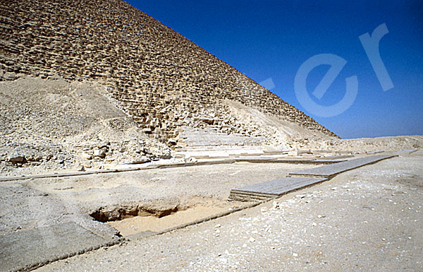 Rote Pyramide: Totentempel, Bild-Nr. Grßansicht: 340a/25