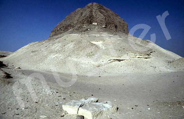 Sesostris-II.-Pyramide: Ecke, Bild-Nr. Grßansicht: 450a/1