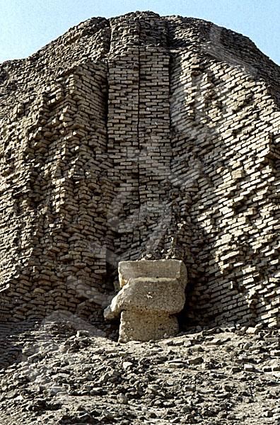 Sesostris-II.-Pyramide: Ecke, Bild-Nr. Grßansicht: 450a/2